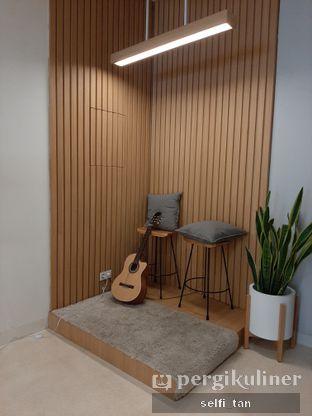 Foto 6 - Interior di Aiko Coffee oleh Selfi Tan