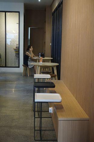 Foto 13 - Interior di Honey Beans Coffee & Roastery oleh yudistira ishak abrar