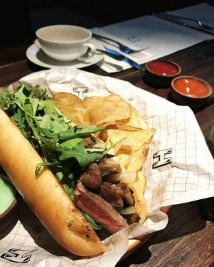 Foto 1 - Makanan(Steak sandwich) di H Gourmet & Vibes oleh Claudia @claudisfoodjournal
