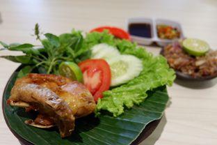 Foto 2 - Makanan(Ayam Goreng) di Little Ubud oleh Chrisilya Thoeng