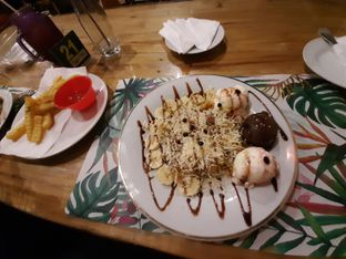 Foto 3 - Makanan(Prata ice cream & french fries) di Breeve Hills Resto & Cafe oleh Afie Putri