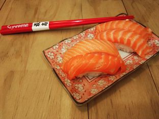 Foto 1 - Makanan(Salmon Sushi.) di Nama Sushi by Sushi Masa oleh Baka! Sushi (@idiotsushi)