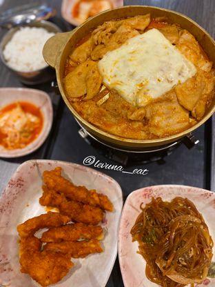 Foto 1 - Makanan di Mujigae oleh Levina JV (IG : levina_eat )