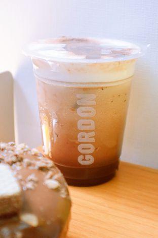 Foto review Gordon Donuts & Coffee oleh thehandsofcuisine  3