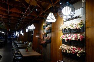 Foto review De Cafe Rooftop Garden oleh Eka M. Lestari 3