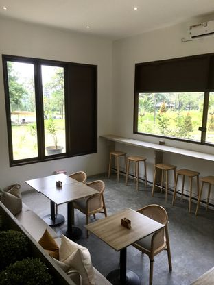 Foto 15 - Interior di Les Miettes oleh Prido ZH