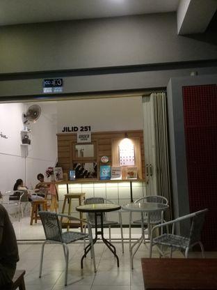 Foto 3 - Interior di Kopi Janji Jiwa oleh Lisa_ Hwan