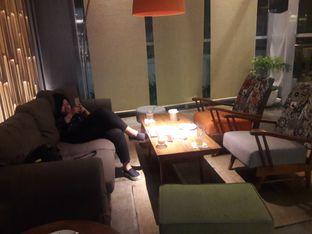 Foto 4 - Interior di Cozyfield Cafe oleh Nisanis