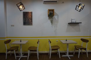 Foto 13 - Interior di Koma Cafe oleh yudistira ishak abrar