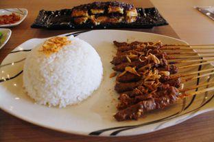 Foto 3 - Makanan(Paket Sate Beef) di Sate Asin Pedas S.O.S oleh Novita Purnamasari