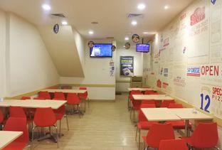 Foto 5 - Interior di Domino's Pizza oleh Andrika Nadia