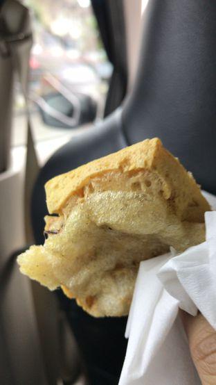Foto 2 - Makanan(Tahu tegal) di Tahu Goreng Tegal Ibu Rien oleh Tsuty