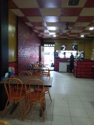 Foto 3 - Interior di Ayam Bakar Kambal oleh deasy foodie