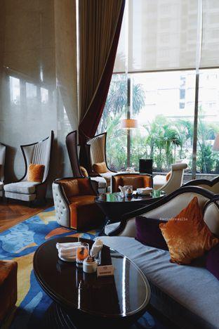 Foto 48 - Interior di The Writers Bar - Raffles Jakarta Hotel oleh Indra Mulia