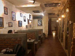 Foto 5 - Interior di Ekara Coffee oleh Fadhlur Rohman