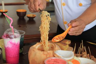 Foto 28 - Makanan di Warung Wakaka oleh Prido ZH