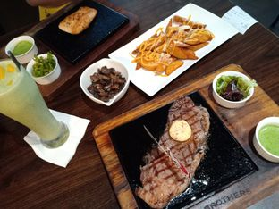 Foto 1 - Makanan di Willie Brothers Steak and Cheese oleh @egabrielapriska