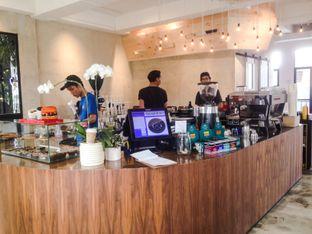 Foto 3 - Interior di Crematology Coffee Roasters oleh Annisa Putri Nur Bahri