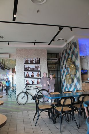 Foto 3 - Interior di Lurik Coffee & Kitchen oleh Prido ZH