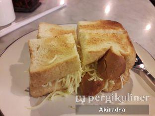 Foto 4 - Makanan(Roti Bakar Kedjoe) di Kopi Oey oleh Akiradna @eat.tadakimasu