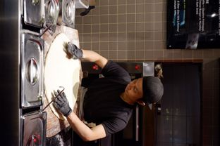 Foto 10 - Interior di Sliced Pizzeria oleh yudistira ishak abrar