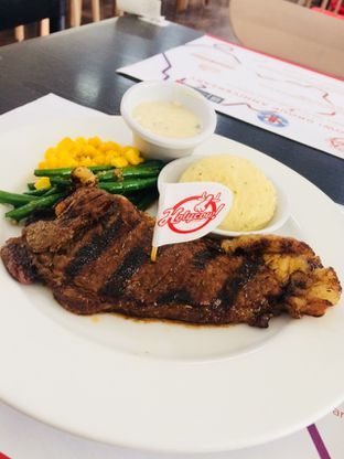 Foto - Makanan(Wagyu Sirloin) di Holycow! STEAKHOUSE by Chef Afit oleh Putri Miranti  Allamanda
