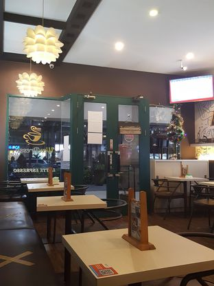 Foto 8 - Interior di WaxPresso Coffee Shop oleh Stallone Tjia (@Stallonation)