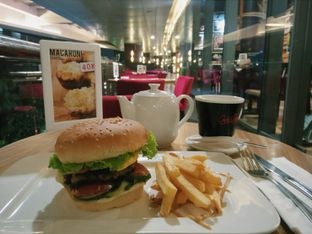 Foto review Cafe Barbera oleh Qeqee Kusumawardani 1