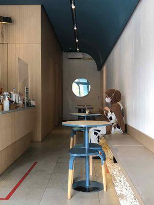 Foto 13 - Interior di Artikula Kopi oleh yudistira ishak abrar