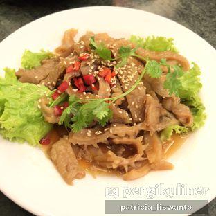 Foto 1 - Makanan(Ubur-Ubur Minyak Wijen) di Coca Suki Restaurant oleh Patsyy