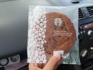 Foto 1 - Makanan di Starbucks Coffee oleh Amrinayu