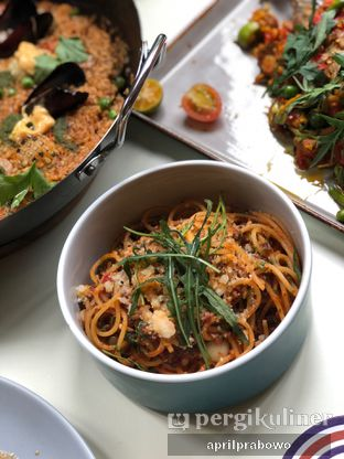 Foto 3 - Makanan(Spaghetti Ala Bolognese) di Segundo - Hotel Monopoli oleh feedthecat