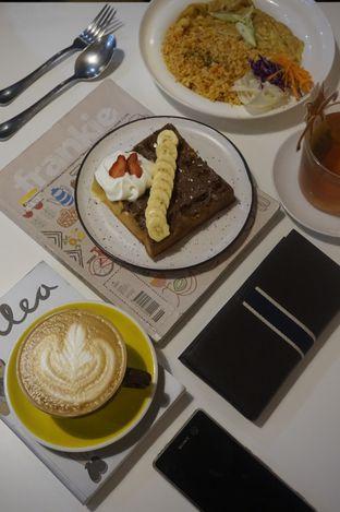 Foto 1 - Makanan di BROWNFOX Waffle & Coffee oleh yudistira ishak abrar