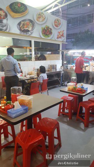 Foto 4 - Interior di Bubur Ayam Parkiran oleh JC Wen