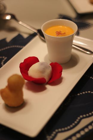 Foto 14 - Makanan di Li Feng - Mandarin Oriental Hotel oleh Prajna Mudita