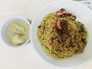 Foto 3 - Makanan(Mie Pangsit) di Ernie oleh Levina JV (IG : levina_eat )