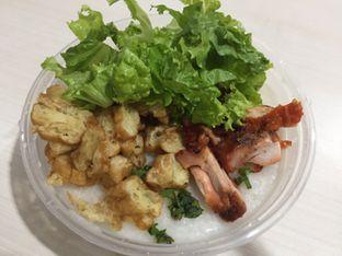 Foto 2 - Makanan di Nasi Campur Ko Aan oleh Marsha Sehan