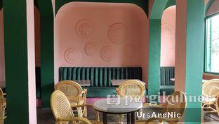 Foto 8 - Interior di Mokapot Coffee Talk oleh UrsAndNic