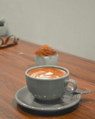 Foto 2 - Makanan(Cafe latte) di Syura Coffee oleh Desanggi  Ritzky Aditya