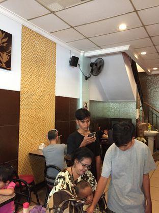 Foto 9 - Interior di Warung Bu Kris oleh Yohanacandra (@kulinerkapandiet)