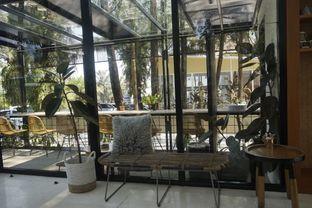 Foto 12 - Interior di Popolo Coffee oleh yudistira ishak abrar