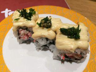 Foto 12 - Makanan(Kani Mayo Mentai Roll) di Tom Sushi oleh Irine