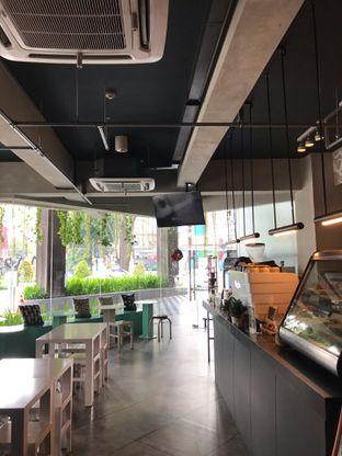 Foto 4 - Interior di GrindJoe Coffee - Moxy Hotel oleh Abi Raihan