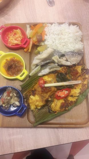 Foto 8 - Makanan di Fish & Co. oleh Risyah Acha