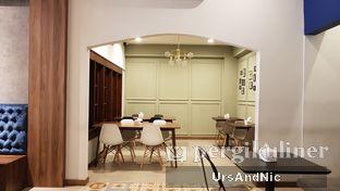 Foto 8 - Interior di Kafe Lumpia Semarang oleh UrsAndNic