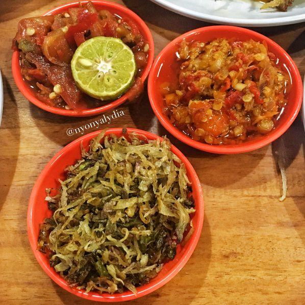 Tempat makan enak di Tebet Sambal Khas Karmila