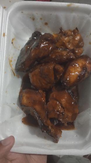 Foto 2 - Makanan(Ayam Goreng Saos Mentega (IDR 27k) ) di Rumah Makan & Seafood 99 oleh Renodaneswara @caesarinodswr