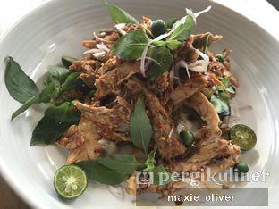 Foto 3 - Makanan(Ayam Pentol) di Daun Muda Soulfood by Andrea Peresthu oleh Drummer Kuliner