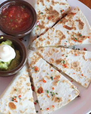 Foto 1 - Makanan di Amigos Bar & Cantina oleh Theodora