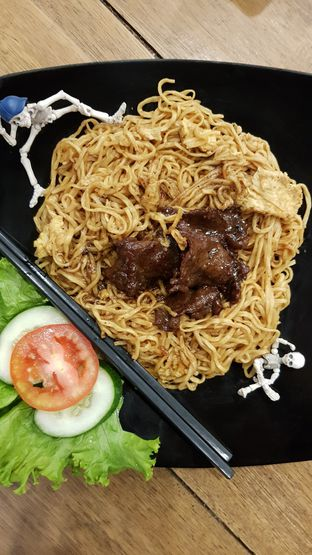 Foto 4 - Makanan di OTW Food Street oleh Rizky Sugianto